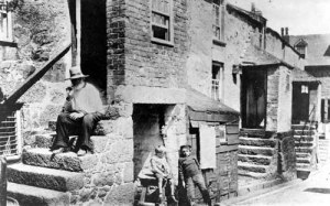 Children in Leeds' Bishopgate slum, 19th c