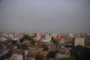 Kishangarh, with Qutb Minar poking up to left (c) V Anand Sankar 2009